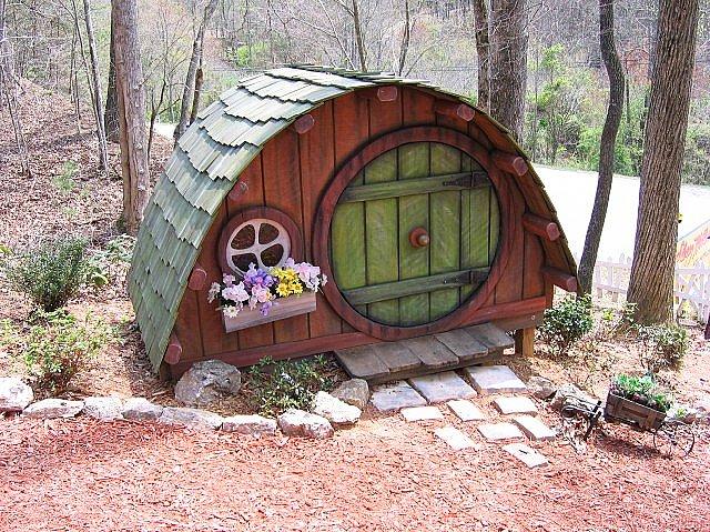 Дизайнерский сказочный домик для собаки