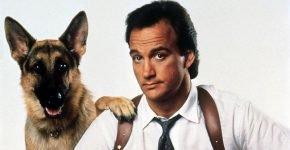 Джеймс Белуши с собакой в комедии «К9: Собачья работа»
