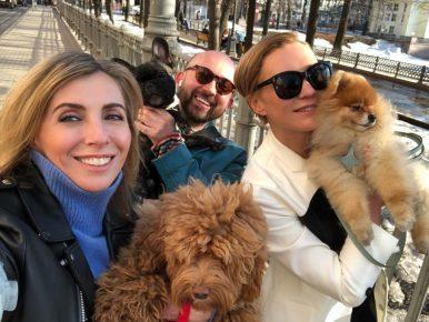 Светлана Бондарчук с друзьями и собаками