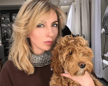Светлана и собака породы лабрадудль