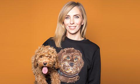 Бондарчук в свитшоте с собакой