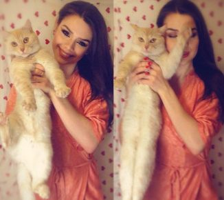 Маша Вэй с котом