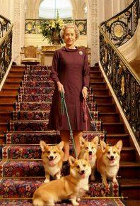 Елизавета II и четыре собаки