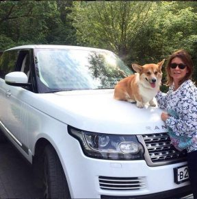 Ольга Слуцкер с собакой