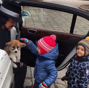 Киркоров с детьми и собакой