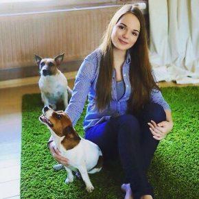 Саша Спилберг с собаками