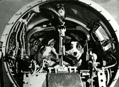 Дезик и Цыган в головном отсеке ракеты
