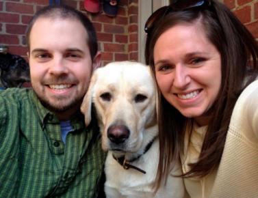 Зак и Келли со своей собакой