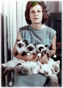 Энн Бейкер с питомцами