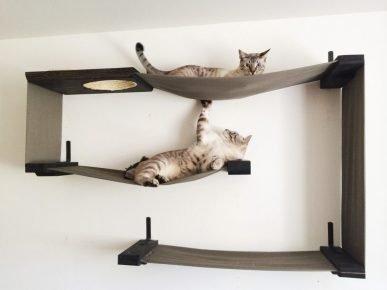 Полка для кошек
