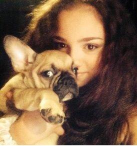 Первое фото Евгении с псом Джерри в Инстаграме