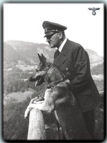 Гитлер с овчаркой
