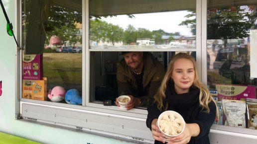 Киоск с мороженым для собак в Финляндии