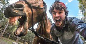 Аллан Диксон с лошадью