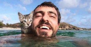 Майк Ашер с кошкой